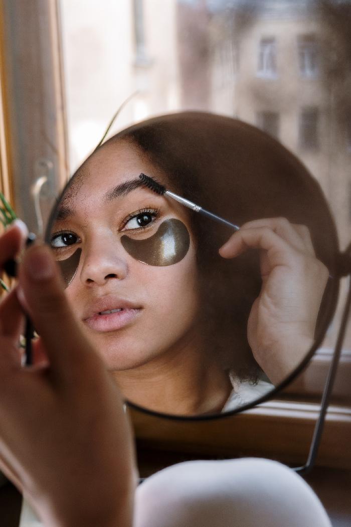 Нанесение макияжа в домашних условиях